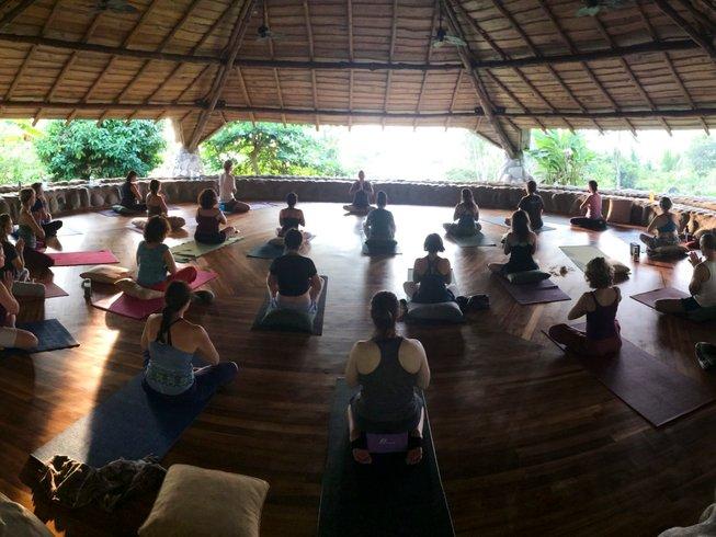 8 días retiro de yoga y meditación gratificante en la provincia de Puntarenas, Costa Rica