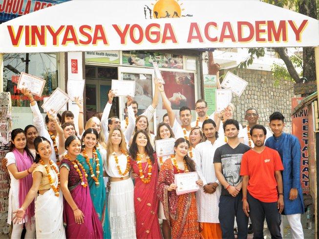 27 jours-200h de formation de professeur de yoga vinyasa à Rishikesh, Inde