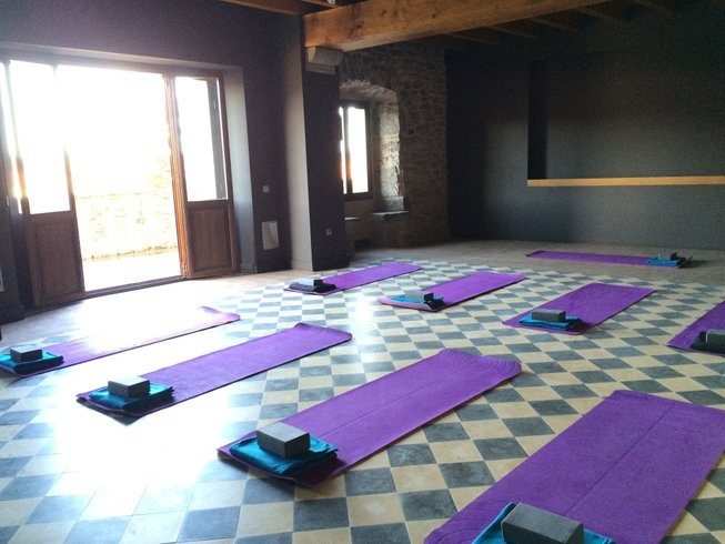 3 Days Weekend Rural Yoga and Meditation Retreat in Spain