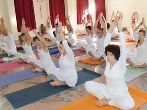 14-Daagse 100-urige Ayurveda Yoga Therapie Training in Rishikesh