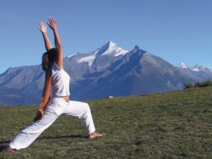 4 Days Mountain Hiking and Spring Yoga Retreat in Aosta Valley, Italy