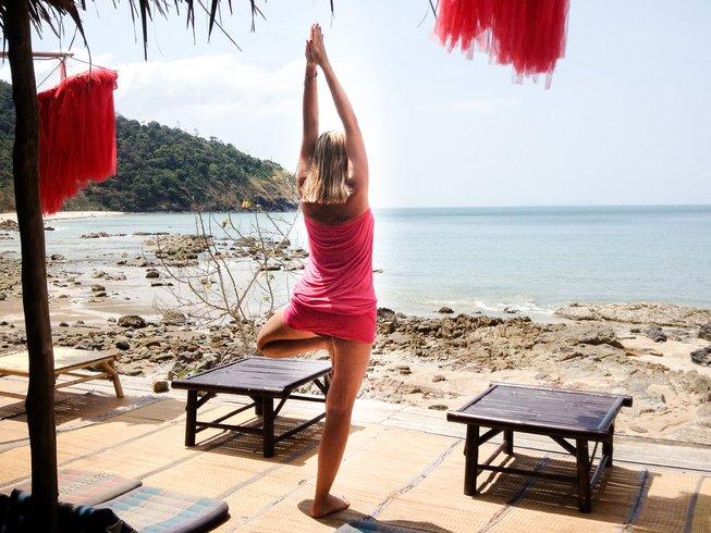 8 Days Iyengar Yoga Retreat in Algarve, Portugal