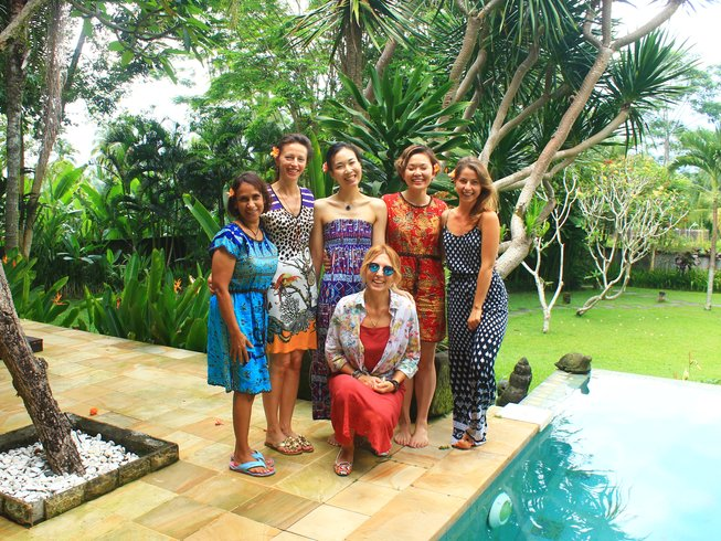 7 Days Raw Food Detox & Yoga Retreat in Bali