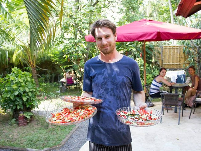 20 Days Raw Food, Yoga and Bali Detox Retreat Training