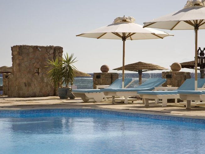 8 Days Christmas and New Year Yoga Holiday in Egypt