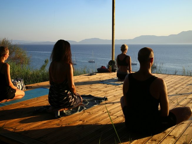 15 Tage Kundalini Yoga Retreat in Palairos, Griechenland