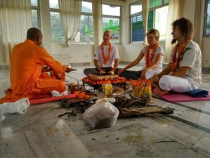 15 Days Spiritual Meditation and Yoga Tour in Rishikesh, India