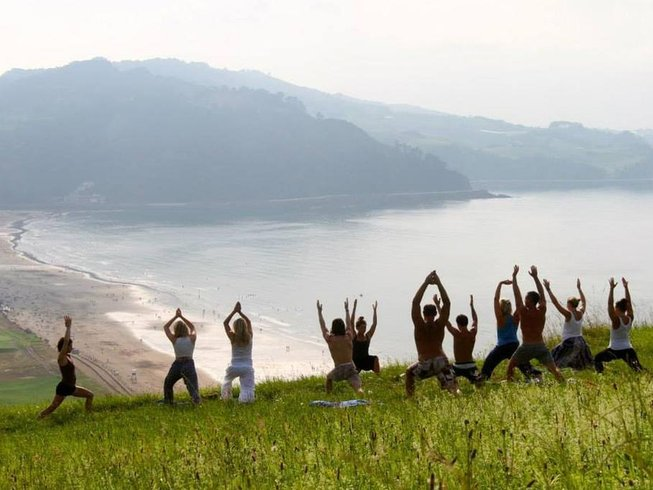 4 Days Yoga Holiday and Surf Camp in Gipuzkoa, Spain