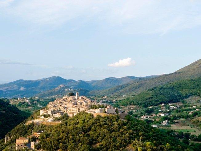 7 Days Deluxe Yoga Holiday in Casperia, Italy