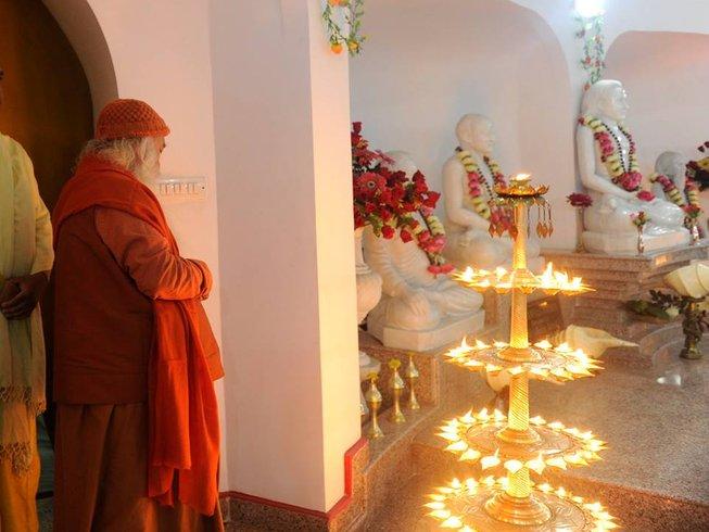 6 Tage Erschwinglicher Yoga Retreat in Rishikesh, Indien