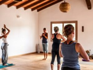 "8 Tage Refresh Retreat für Yogalehrende ""Teachers Immersion"" auf Sardinien"