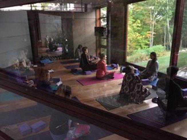 4 Tage Kolumbus-Tag Yoga Urlaub in Massachusetts, USA