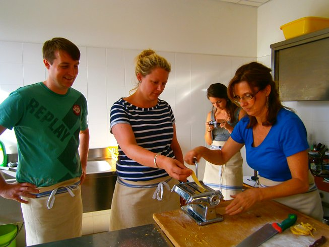 7 Days Relaxing Cooking & Trekking Trip in Umbria