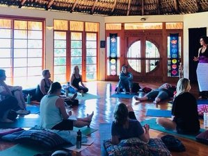 7-Daagse Heilige Yoga Retreat voor Vrouwen in Santa Cruz La Laguna, Guatemala