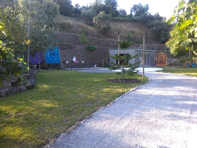 6 Days of Meditation, Yoga, and Vegan Cooking Course in Malaga, Spain