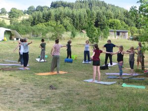 4 Day Vegetarian Food and Hatha Yoga Holiday in Vernusse, Auvergne
