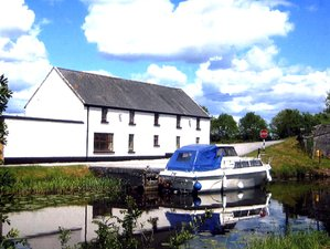 5 Day Self-Catering Horse Riding Holiday at the Banks of the Grand Canal in Tullamore, County Offaly
