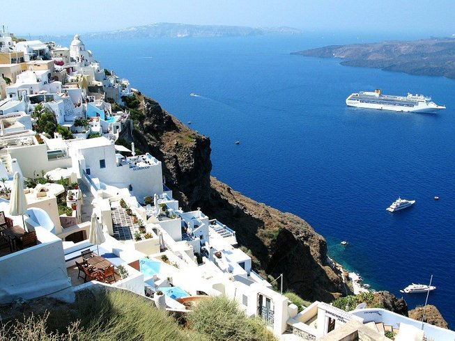 8 Days Jivamukti Yoga Retreat in Santorini, Greece