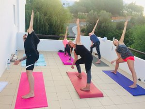 6-Daagse Sfeervolle Budget All-Inclusive Yoga & SUP voor Beginners Retreat in Albufeira, Portugal