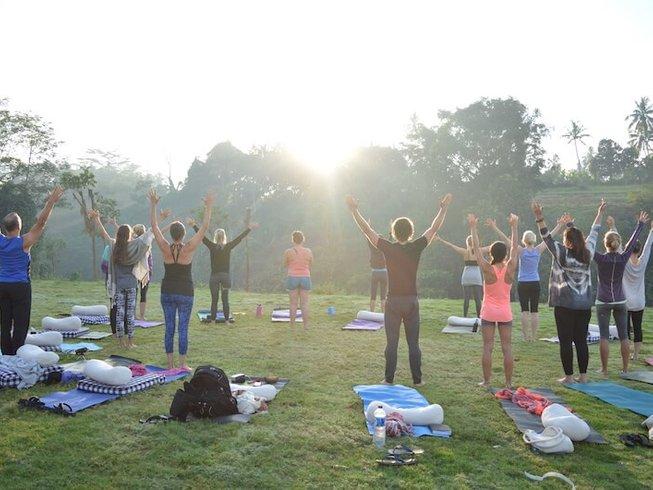 """32 Tage 300-Stunden """"Sanfter Körper"""" Yogalehrer Ausbildung in Goa, Indien"""