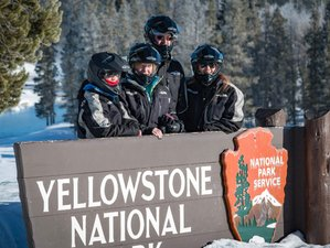 3 Days Snowmobile Winter Wildlife Tour in Yellowstone National Park, USA