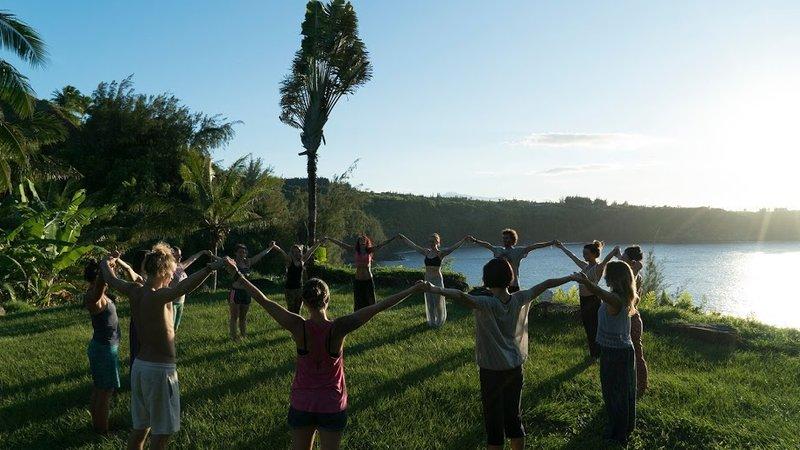 26 Day 300 Hour Yoga Teacher Training In Maui Hawaii Bookyogateachertraining Com