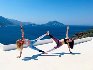 13 Day 100-Hour Introductory Yoga Teacher Training in Amorgos