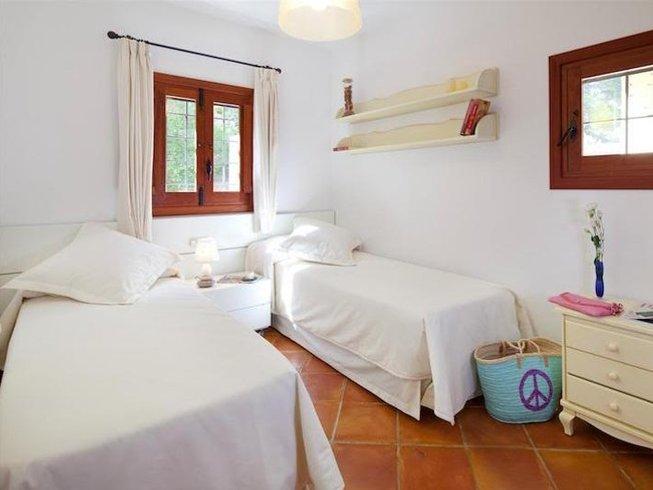 6 Tage Hot Yoga und Detox Retreat auf Ibiza, Spanien