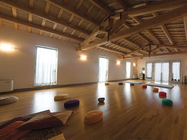 Easter Yoga in Central Italy