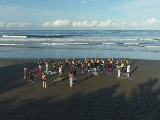 16-Daagse 200-urige Zomer Yoga Docentenopleiding in Guanacaste, Costa Rica