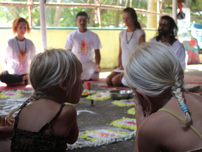 24 Tage 200-Stunden Yogalehrer Ausbildung in Koh Chang, Thailand