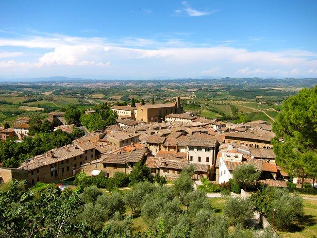 7 Days Vino and Vinyasa Yoga Retreat in Tuscany, Italy