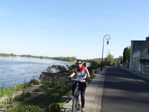 6 Days Loire Valley Route Cycling Tour from Tours to Angers in France