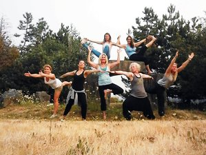 13 Day Van Isle Level 1 200-Hour Yoga Teacher Training for Women in Quadra Island, Canada