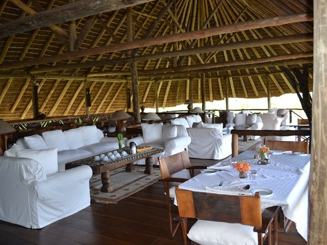 4 Days Luxury Safari in Uganda by Air
