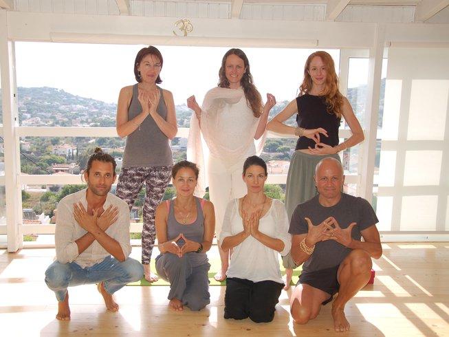 48 días 500 horas de profesorado de yoga en Grecia