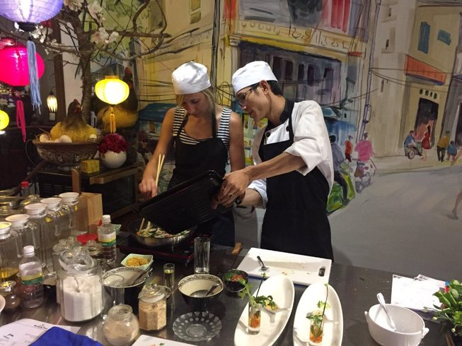 5 Days Halong Bay Cruise and Cooking Vacation in Hanoi, Vietnam