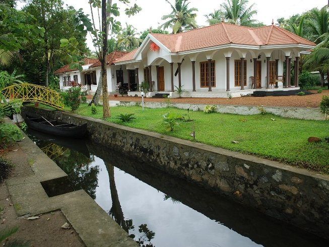3 Days Kerala India Cooking Tour, Kumarakom Boat Cruise