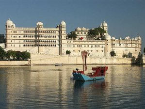 10 Day Meditation and Ayurveda Yoga Retreat in the Most Romantic City of Lakes, Udaipur