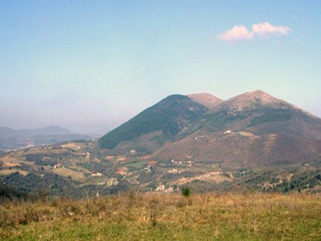 4 Days Cooking and Trekking Holiday in Umbria