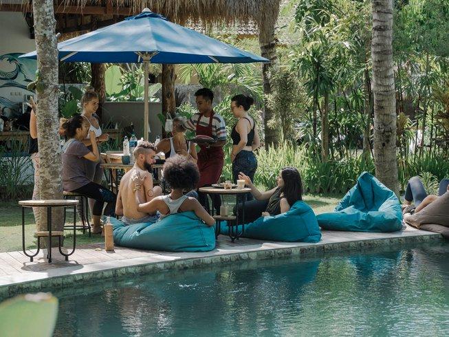 22 Tage 200-Stunden Vinyasa Yogalehrer Ausbildung auf Lombok