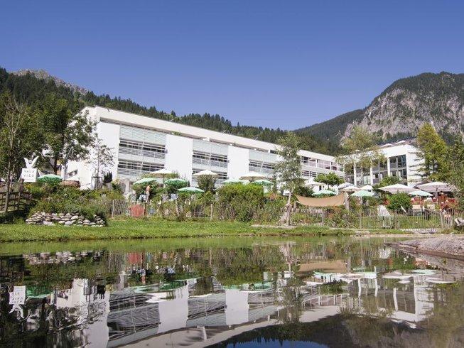 5 Tage Hatha Yoga, Meditation, Mantrasingen, Wellness und Wandern im Superior Hotel, Vorarlberg