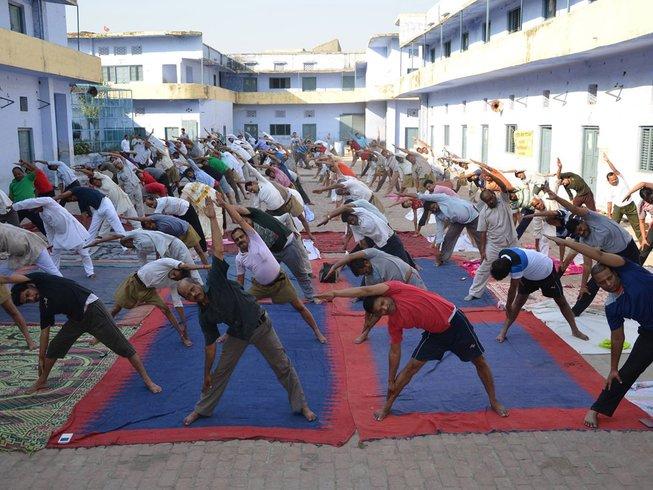 8 Tage 50-Stunden Ayurveda Therapie und Yogalehrer Ausbildung in Rishikesh, Indien
