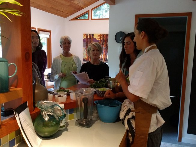 4 Day Raw Food Detox and Yoga Retreat in Canada