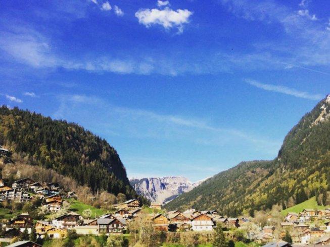 """9 jours en stage de yoga, méditation et randonnée """"Lâchez prise"""" dans les Alpes, France"""