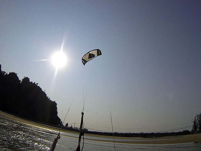 6 Days Beginner Kitesurfing Surf Camp Thailand