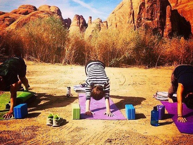 6 Days Ladies' Adventure Hiking, SUP, and Yoga Retreat in Utah, USA