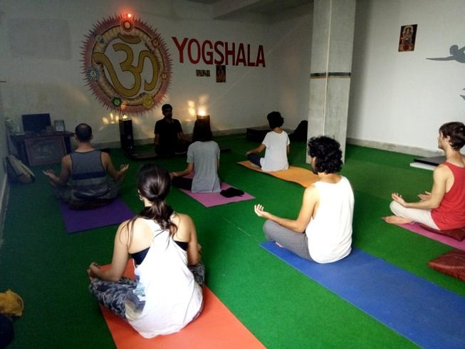 3 Days Relaxing Yoga Retreat in India