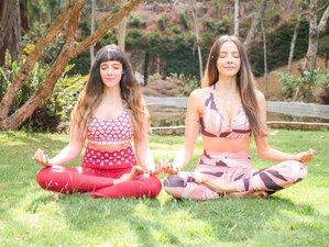 3 días de retiro con 2 profesoras de yoga Prana-Vinyasa Flow en Arbeláez