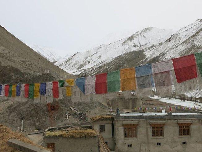 9 jours en stage de yoga, trekking et méditation dans l'Himalaya, Inde